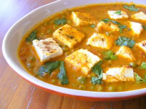 Cottage cheese & pea curry